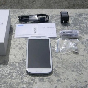 Новый Samsung I9300 Galaxy S III
